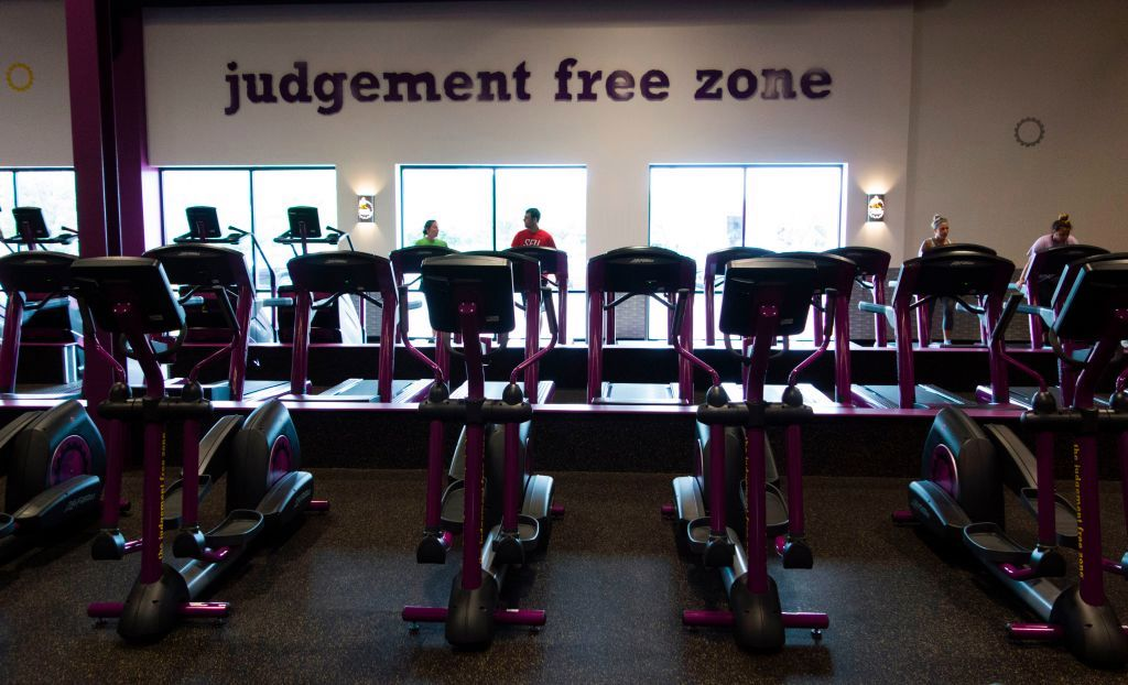 In ruling against Planet Fitness, Michigan court concludes trans women aren't women https://t.co/y8mLFDtmqE https://t.co/tCfkeMyQb2