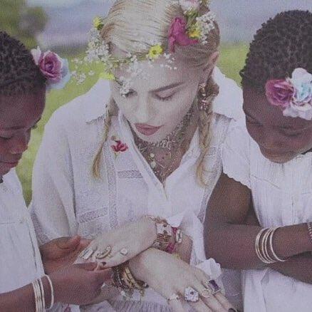 Madonna - Σελίδα 2 DjaanH4XsAArqJL