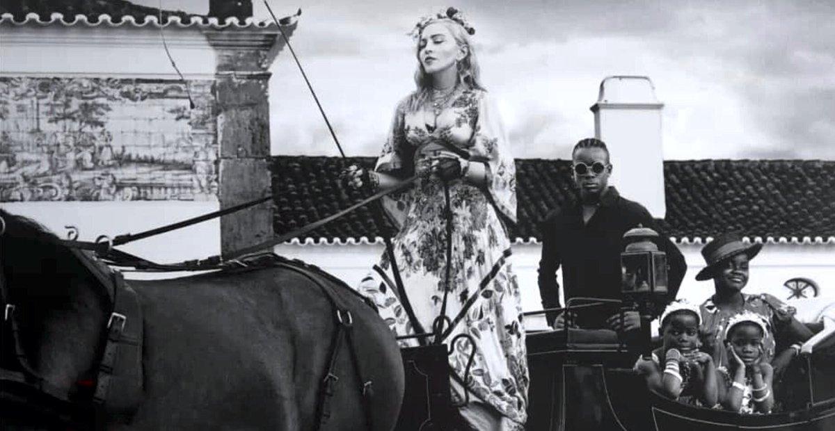Madonna - Σελίδα 2 DjabNutXgAAFjDx