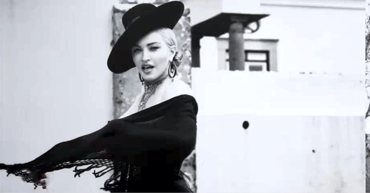 Madonna - Σελίδα 2 DjabNuuXcAELCrf