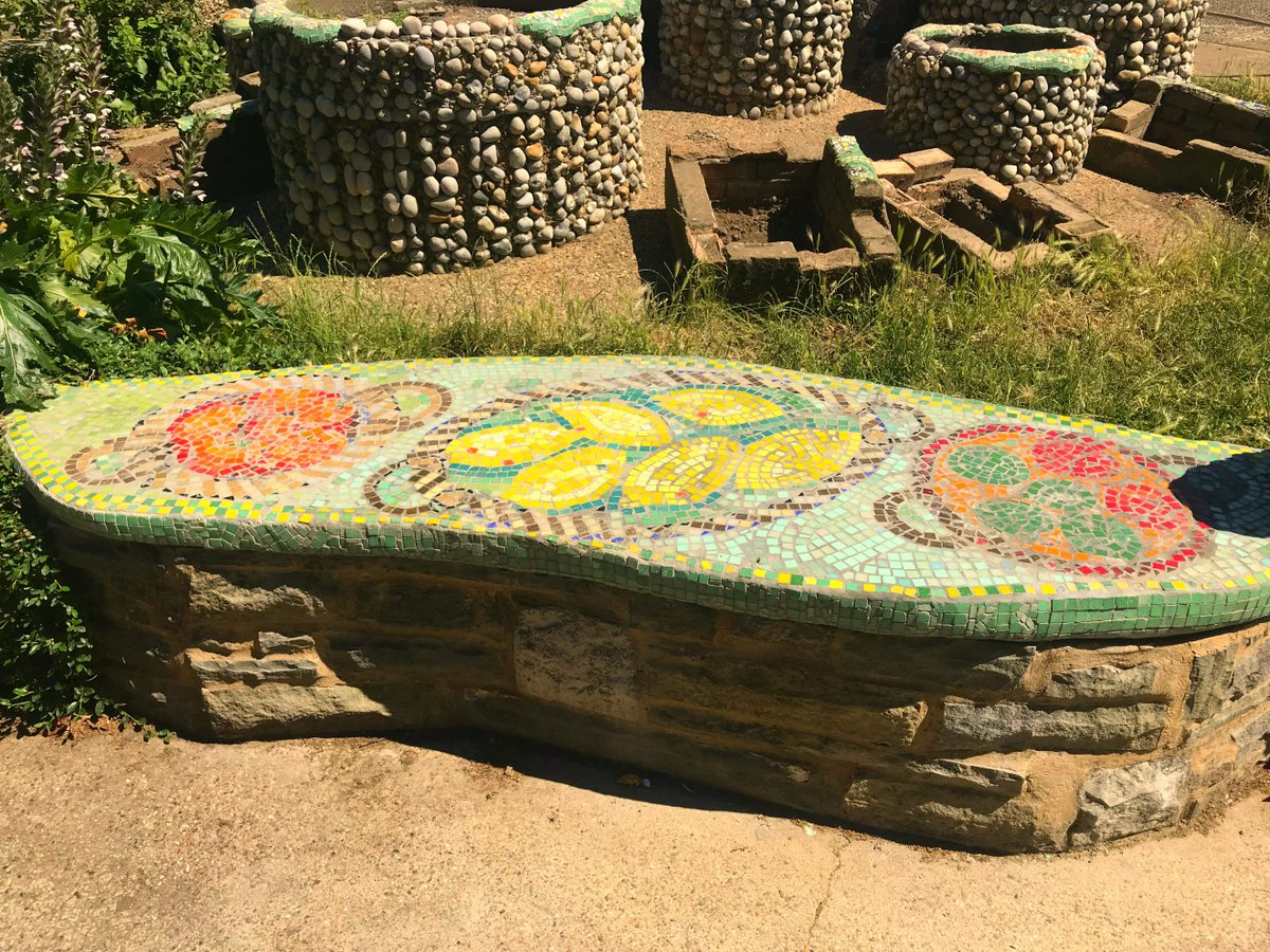 Incredible Laticrete Uk On Twitter A Mosaic Bench From The Ibusinesslaw Wood Chair Design Ideas Ibusinesslaworg