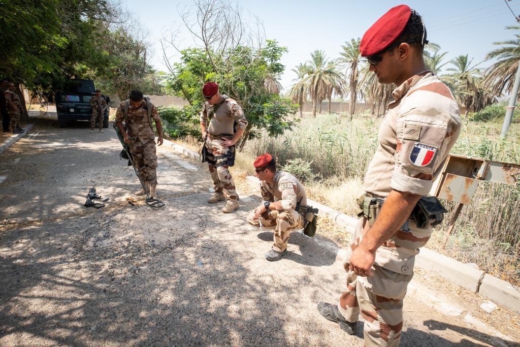 جهود التحالف الدولي لتدريب وتاهيل وحدات الجيش العراقي .......متجدد - صفحة 3 DjbTP63U8AEvCvo