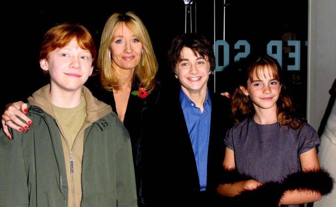 Happy birthday to the one and only J.K. Rowling! How adorable were Harry, Ron and Hermione back in the day?