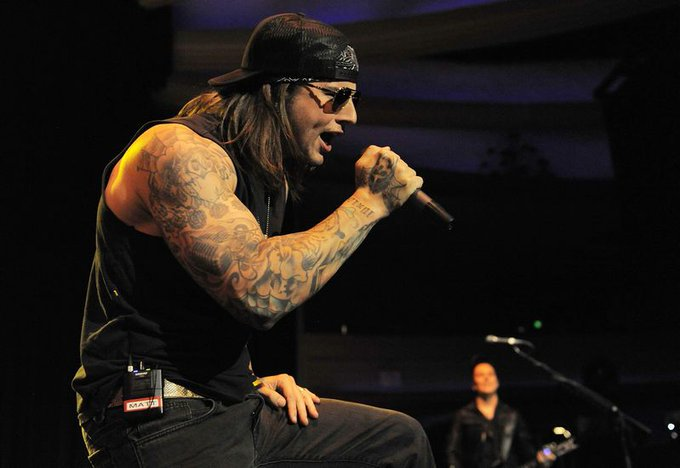 Happy Birthday to the man, the legend, M. Shadows!
