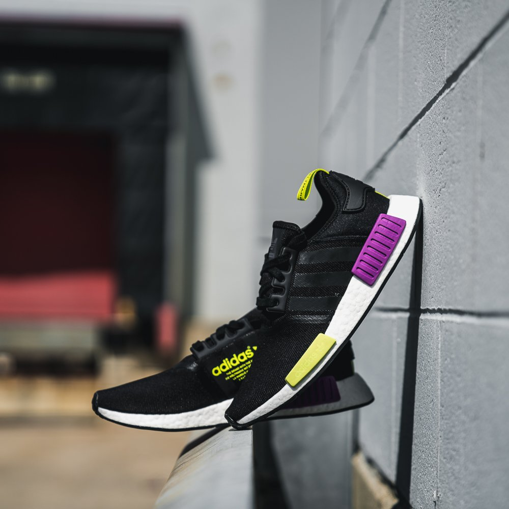 adidas nmd r1 core black shock purple