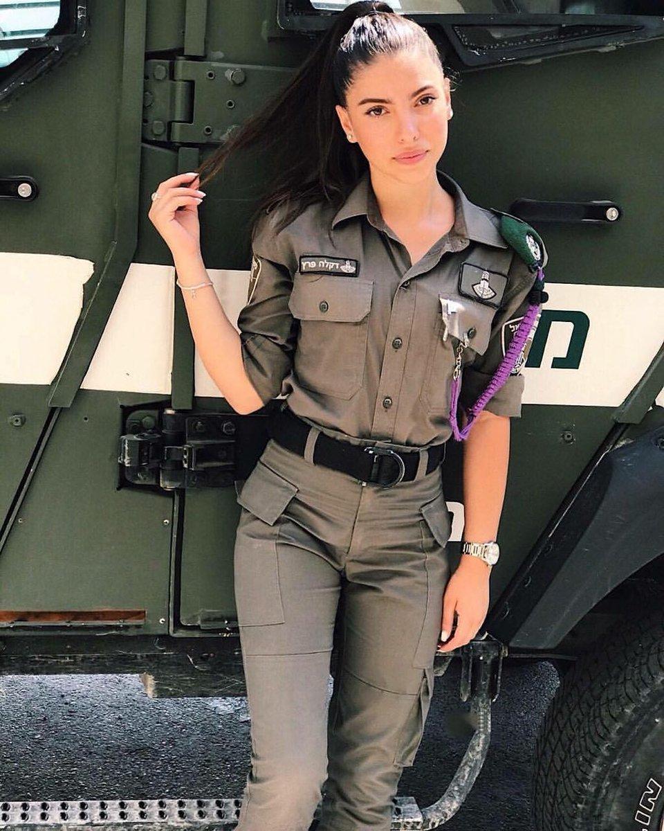 Army girl pics