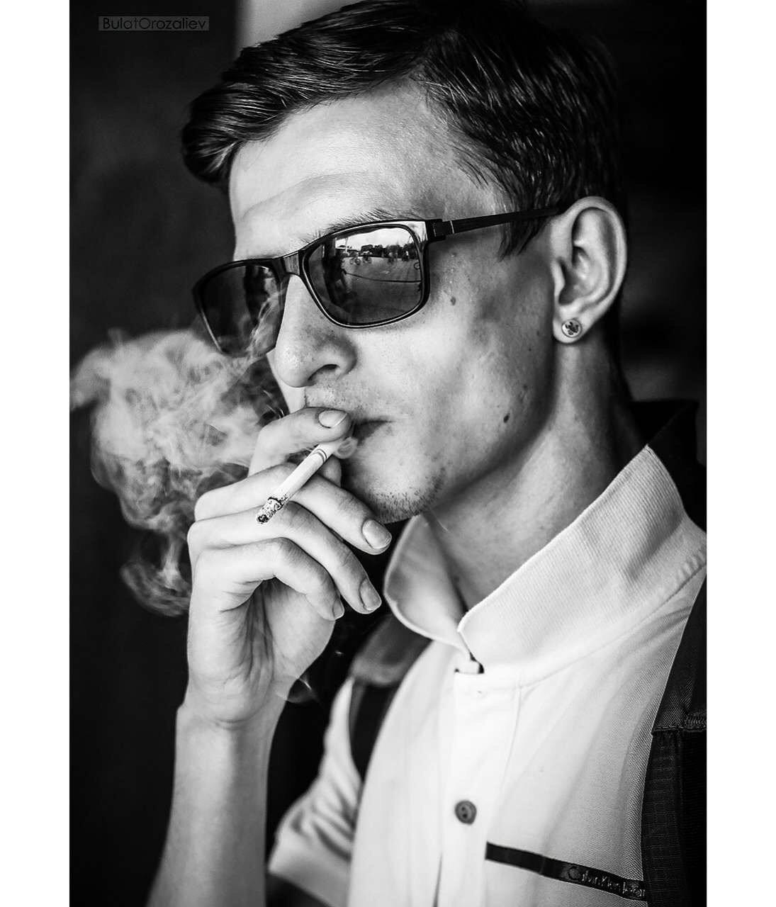 началом монтирования фото парень на аву с сигаретой меня