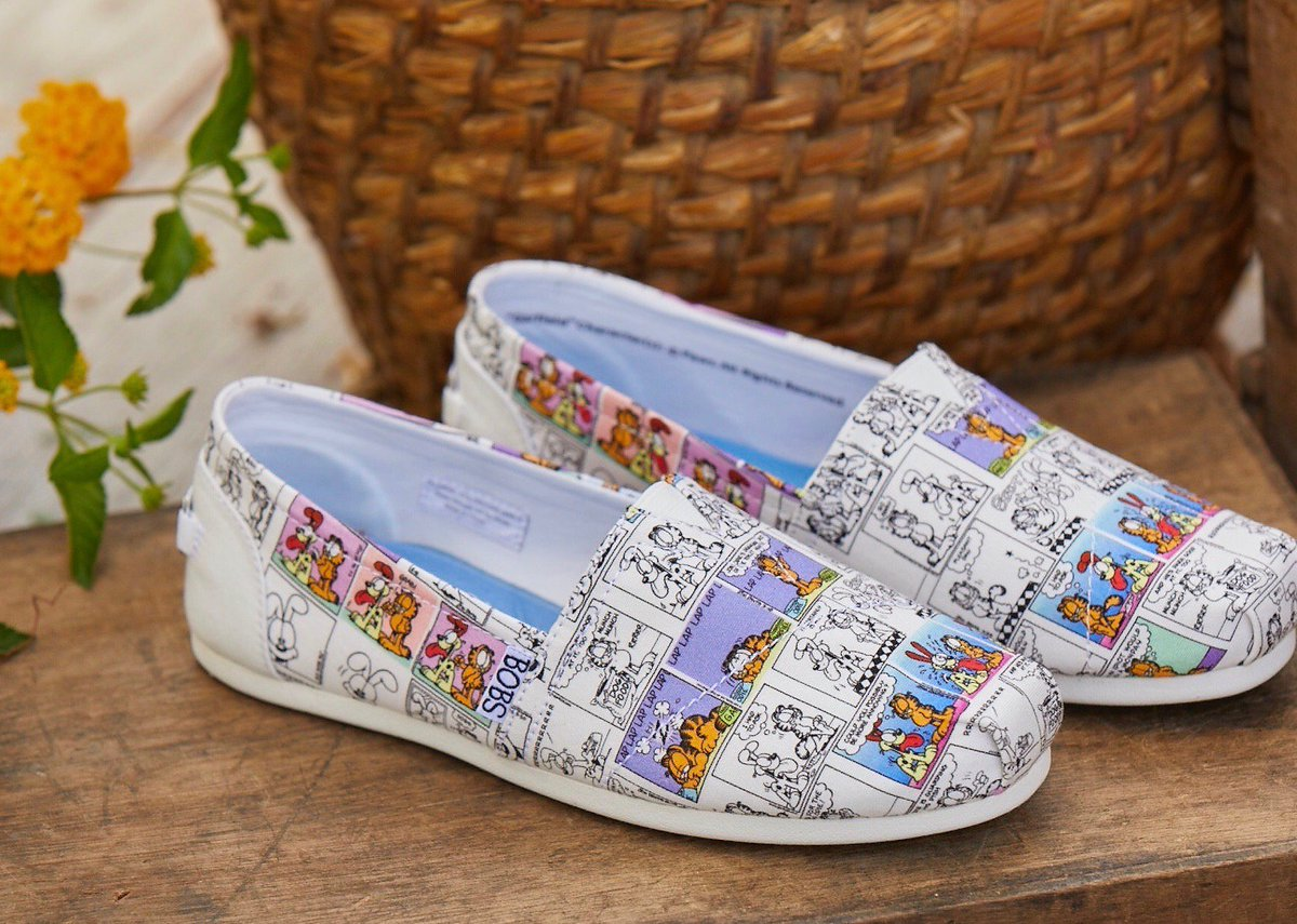 #GIVEAWAY Do you LOVE @garfield?! Youre in luck 🍀 Were giving away a pair of @BOBS_Skechers + @Garfield shoes! 😻 Head to our Instagram for a chance to win! Official Rules: bit.ly/2LIh2n6