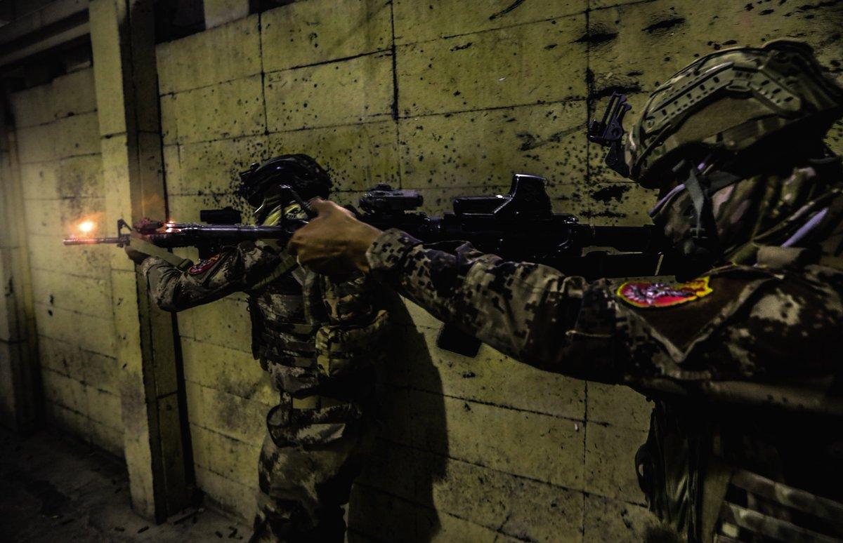 جهاز مكافحة الارهاب (CTS) و فرقة الرد السريع (ERB)...الفرقة الذهبية و الفرقة الحديدية - قوات النخبة - متجدد - صفحة 4 Djcwjp_W0AchfLU