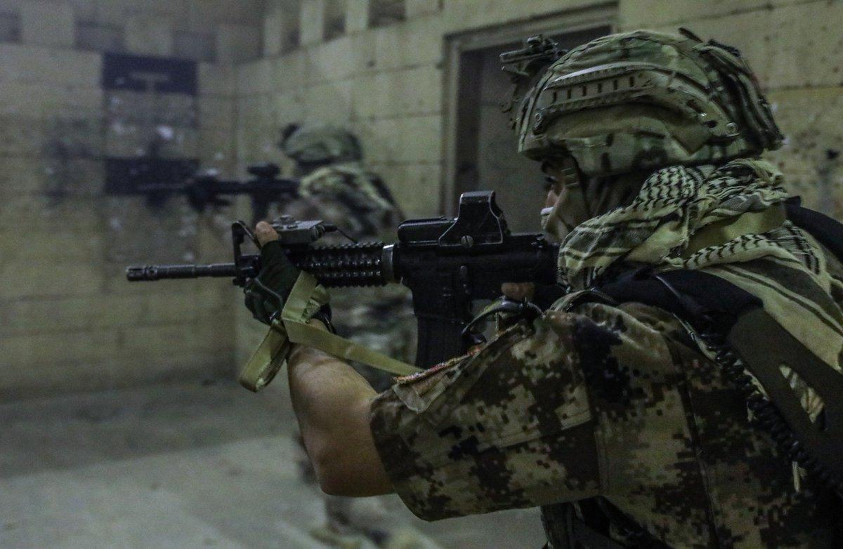 جهاز مكافحة الارهاب (CTS) و فرقة الرد السريع (ERB)...الفرقة الذهبية و الفرقة الحديدية - قوات النخبة - متجدد - صفحة 4 DjcwjsGW4AAarXx