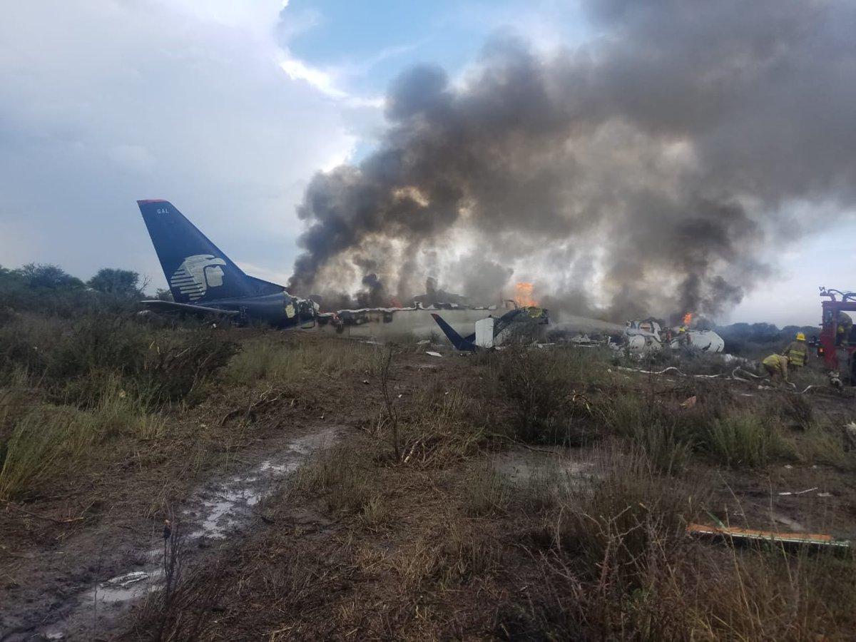 Internacionales | Milagro en México: cayó un avión, pero no hay muertos