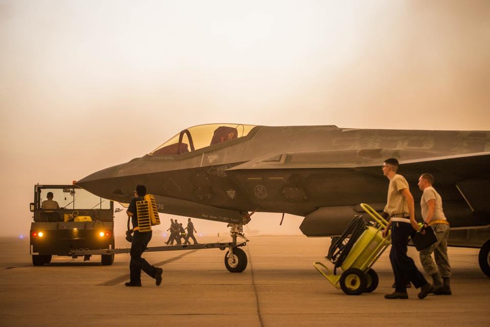 «الطائرة الشبحية F35» آخر ما وصل إليه الطيران الحربي - صفحة 2 DjdWoo1X4AE0H3w
