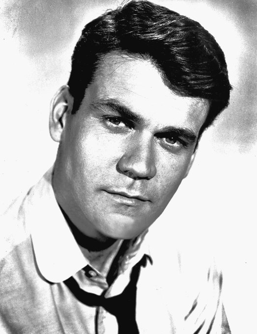 Happy Birthday to Don Murray! He turns 89 today.