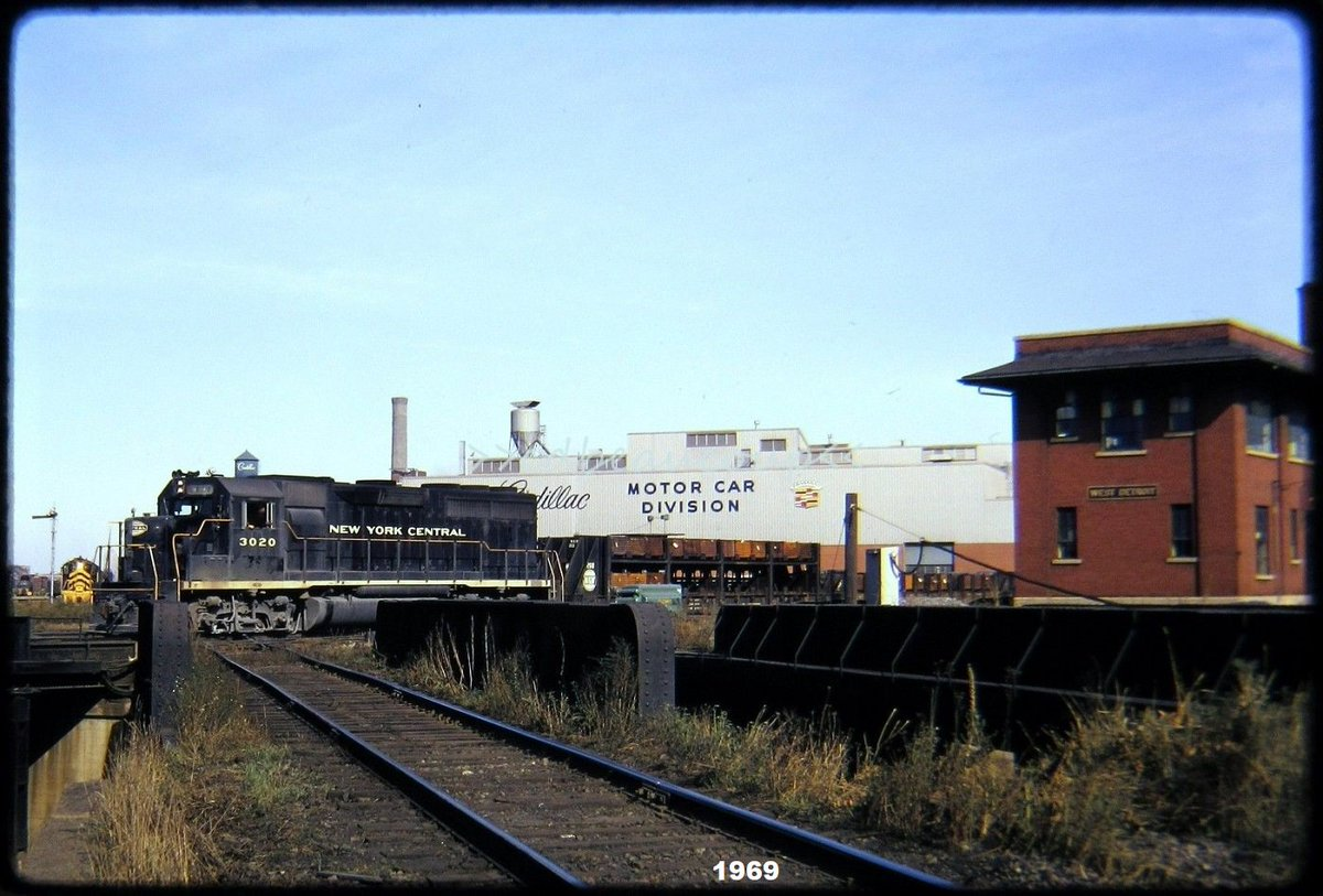 """The former brick Grand Trunk railroad tower was later renamed """"West Detroit"""".pic.twitter.com/rbgowGvT1X"""