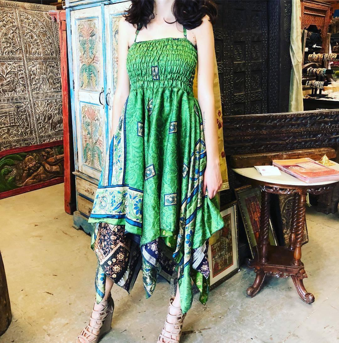 12600f8033 ... https   www.ebay.com itm Boho-Hippie-Flora-Halter-Dress-Handkerchief-Hem -Recycled-Sari-Beach-Sundress-S-M- 292648851364 var  hash item89b517f9f8 …