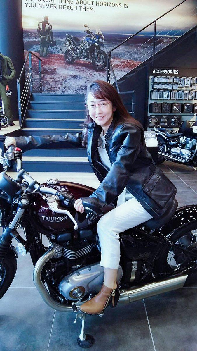 TRIUMPH 東京にて。野田社長のバイク愛にこちらも引き込まれました。詳しくは今月中旬の日本経済新聞に掲載予定です⭐️