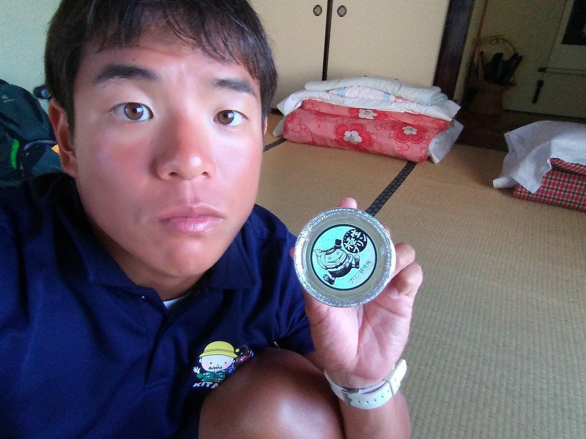えー、本日の磯原二ツ島海水浴場変な兄さんは、子どもたちをレスキューボードに乗せて遊泳エリアを往復していたようです! 参加していただいた方ありがとうございました! と、本日はてんごころさんの極生プリンを食しました! 口の中でとろけたプリン( *´艸`) @tengokoro_shop #北茨城市 #スイーツ