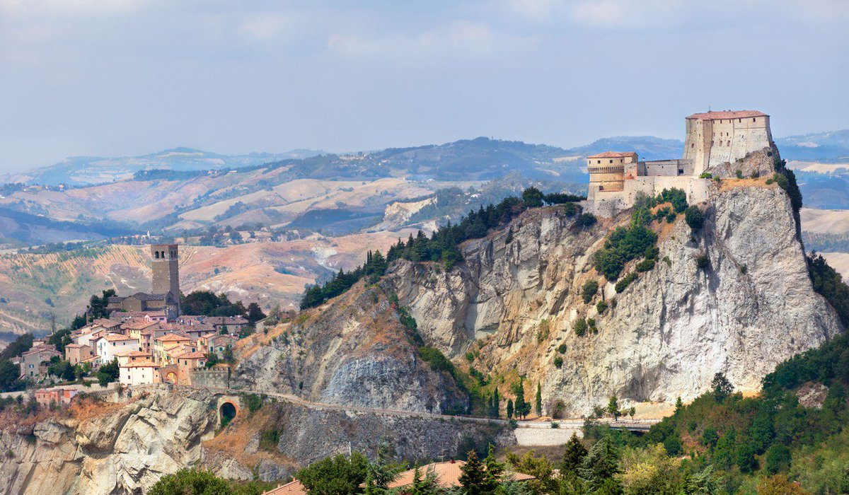 Finding the Mona Lisa's background on a road trip into the heart of Italian culture via @SCMP_Newshttps://t.co/QEC8IBTSE1  #travel #art #italy #emiliaromagna #beautyfromitaly