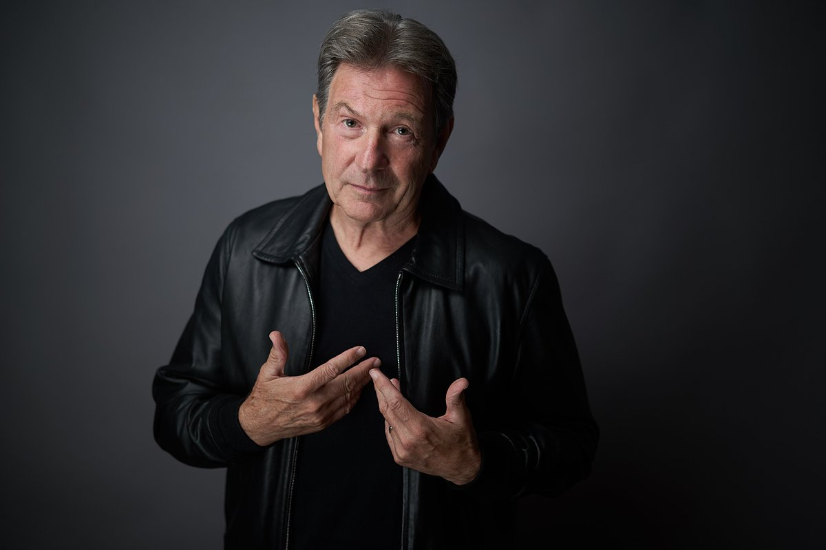 Join @MrMBrandon at Tweets by @thespotlightuk for an entertaining, easy-going evening of celebrity tales and Hollywood life @BroxbourneBC on 31st October @HertsMercury #DempseyandMakepeace  http:// ow.ly/jSq130l5Gya  &nbsp;  <br>http://pic.twitter.com/2zaZfaj9K9