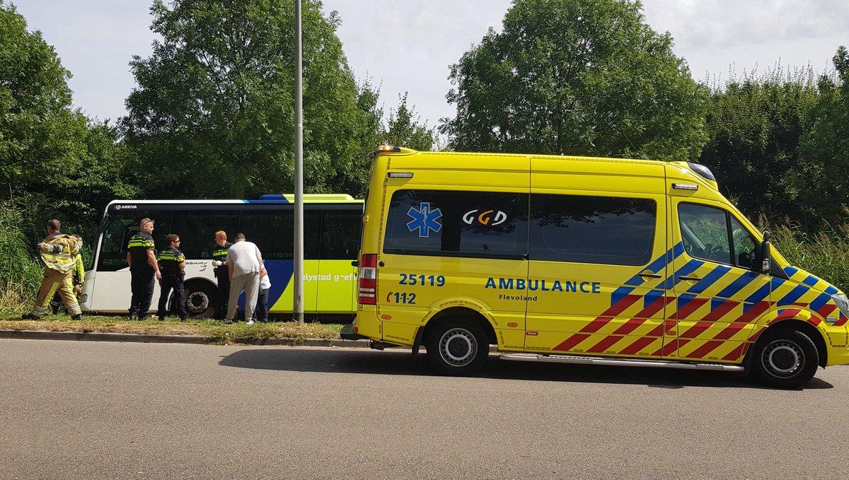 Omroep Flevoland On Twitter Bus Van At Arrivanl Rijdt In Greppel