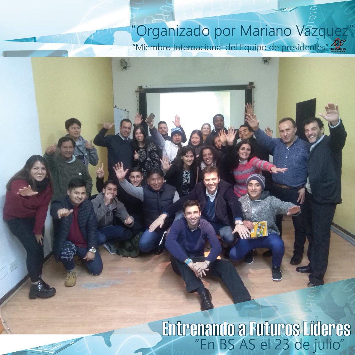 Entrenando a futuros líderes 👏👨💼  En Bs As 23 de julio 2018.  Organizado por Mariano Vazquez @MentorAlExito Miembro Internacional del Equipo de Presidentes DS Internacional https://t.co/pDIzwOePDW