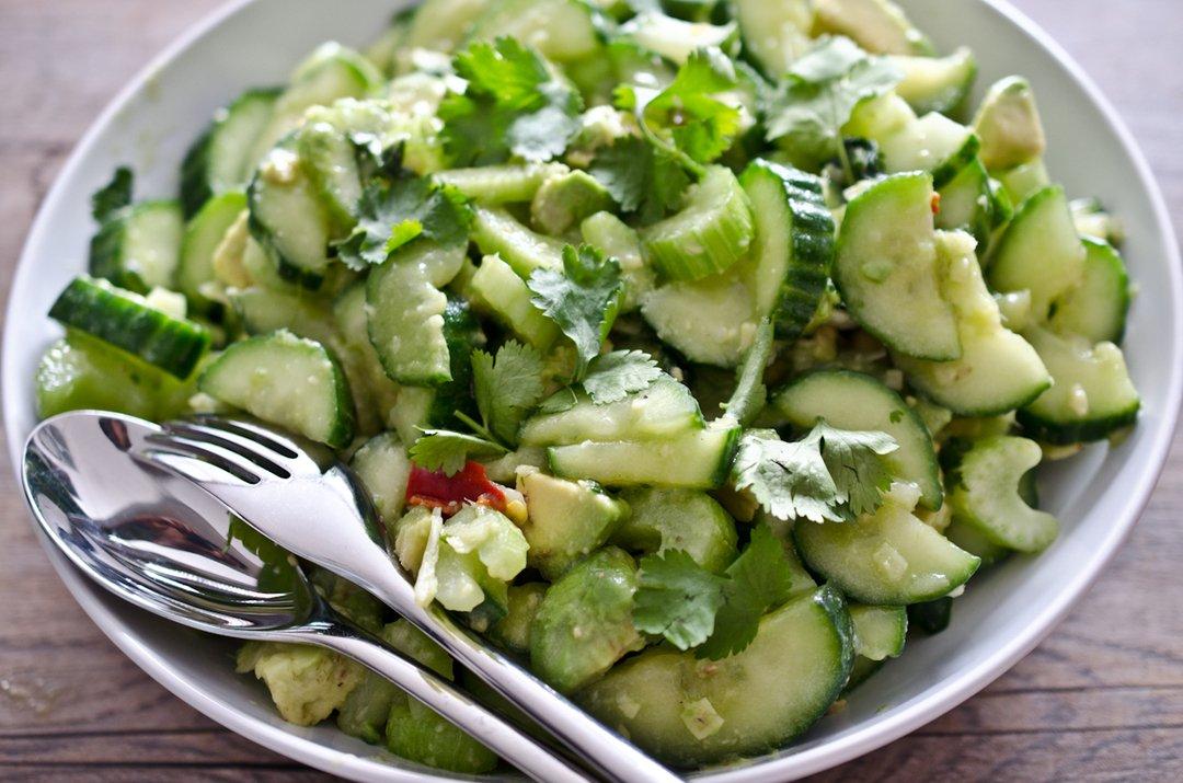 Зеленый салат при диете