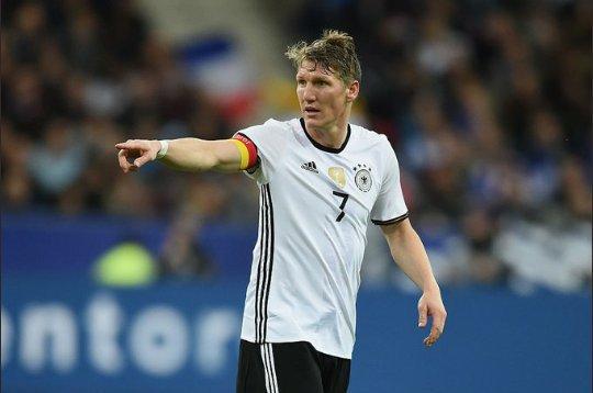 Happy birthday,   Bastian Schweinsteiger (34)