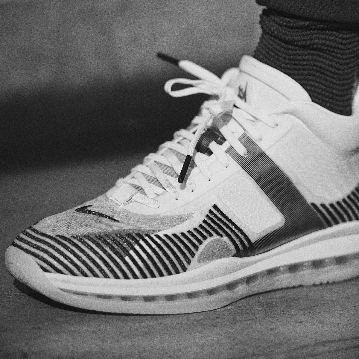 SHEESH!!!!! 👀👑🔥Saturday @johnelliottco #StriveForGreatness🚀 #NikeLifer ✔️