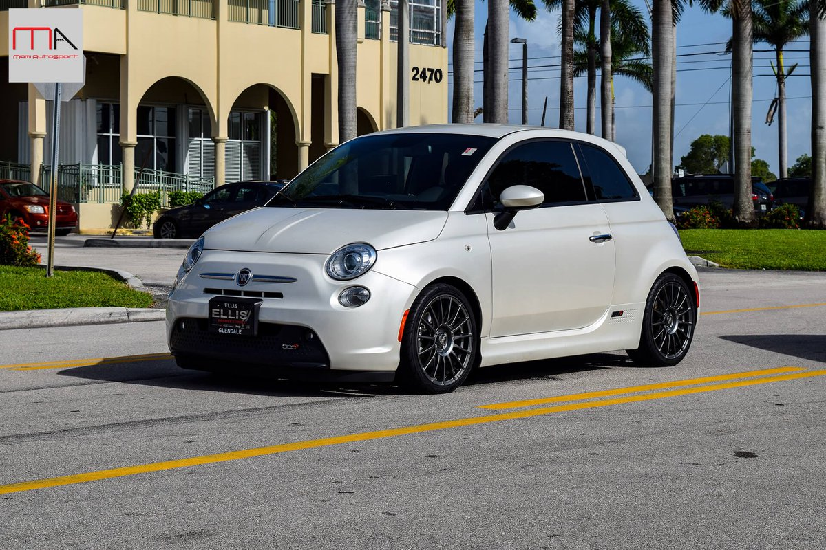 Fiat 500e Lowered On 500madness Springs With Konishocks We Also Supplied Ozracingwheels Wred In Yokohamatire 500 Ozwheels Yokohoma