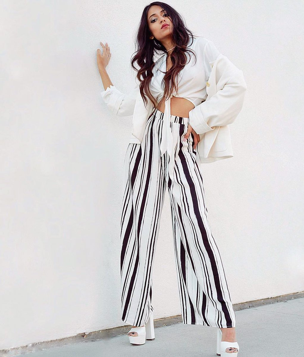 Browzzin On Twitter Vertical Lines Have Magic To Level Up Your Look Today S Ootd Is Coming From Nehavarmaa