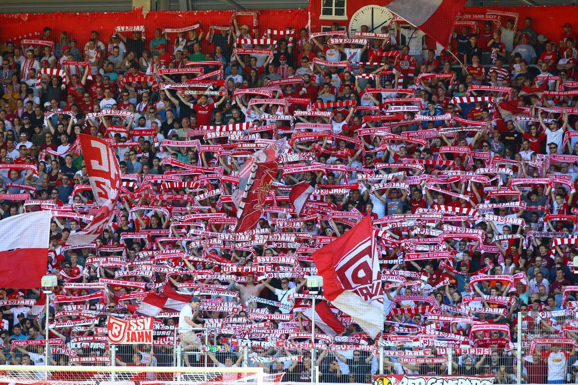 Jahn Regensburg Fanshop öffnungszeiten