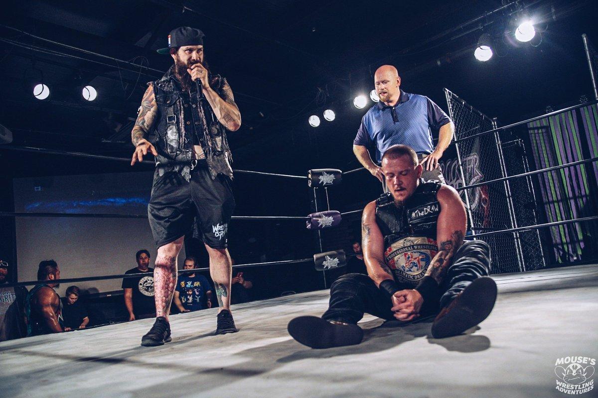 Sami Callihan gana el máximo campeonato de DDT 4