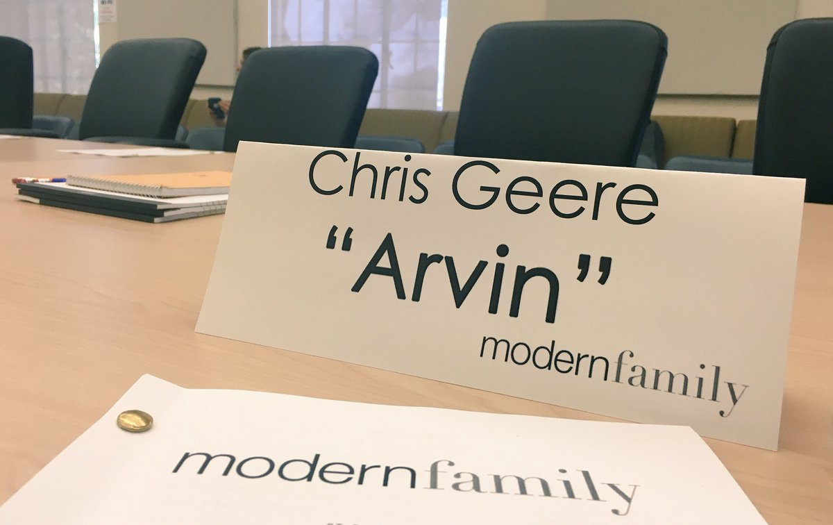 First read of season 10! Such an honour to be a part of this national treasure.❤️ #ModernFamily @ModernFam @Sarah_Hyland @ModernFam