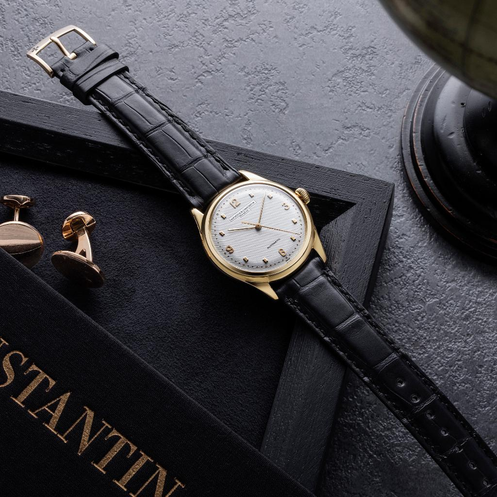 A timeless piece for a modern gentleman. Appreciate the magic of history on your wrist with Les Collectionneurs: an exclusive selection of Vintage timepieces traveling around the globe. Find them this summer in NYC Vacheron Constantin Boutique!