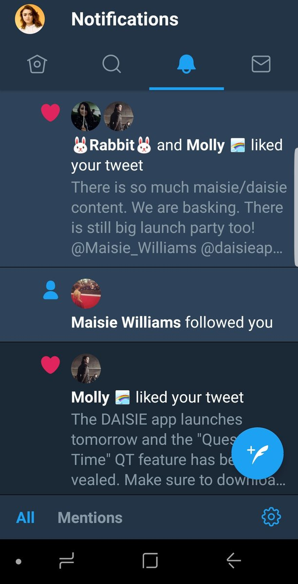 Maisie followed me. I still can't believe it. I feel dizzy.  Maisie followed me 😭 imsohappppy. THANK YOU.
