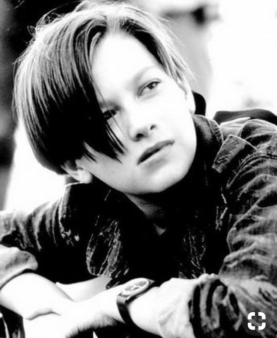 0802 Edward Furlong        Happy Birthday               90