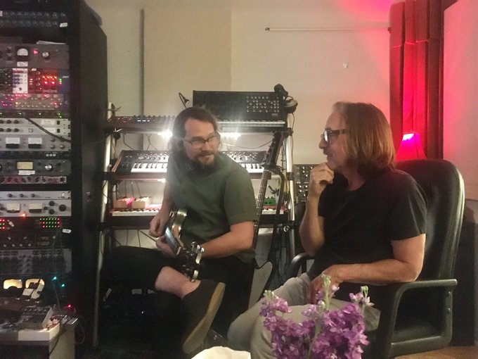 Happy Birthday to our brother Butch Vig. Cheers Butch. Clink..._b