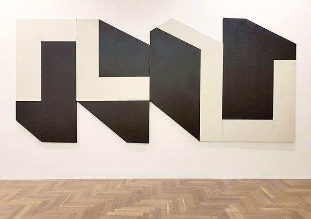 #DusaJesih #EPurSiMuove  #AcrylicOnCanvas #prrrrrrr @mestna.galerija #painting #AniconicPainting #ContemporaryArt https://t.co/WQ2M77jokq