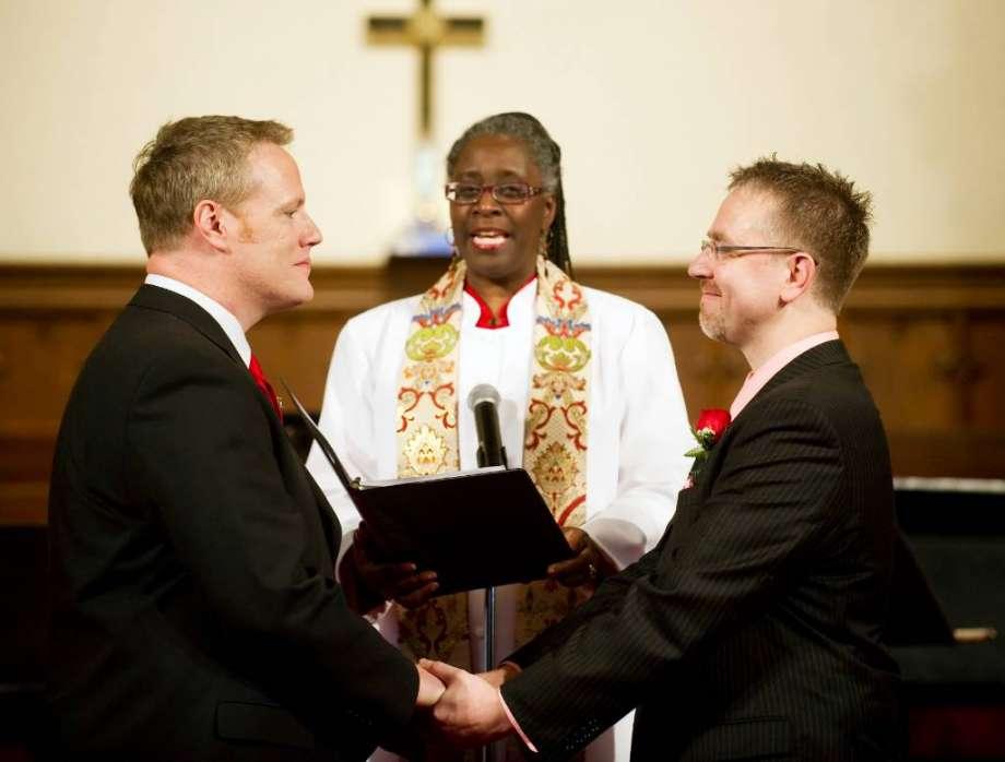 Протестанты католики венчание гомосексуалистов