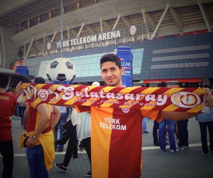 """BASKILAR engel değil senin sevgine az kaldı """"PARÇALI"""" formayı giymene...DİREN #GalatasaraylıEmreAkbaba !#ultrAslan"""