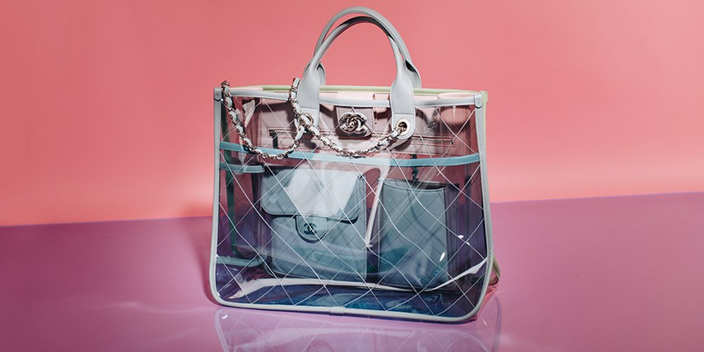 0495d3a3 ... brands aren't keeping any secrets with their latest bags. Shop the  look: https://stockx.com/search?s=transparent …pic.twitter.com/3AbVJugtk4