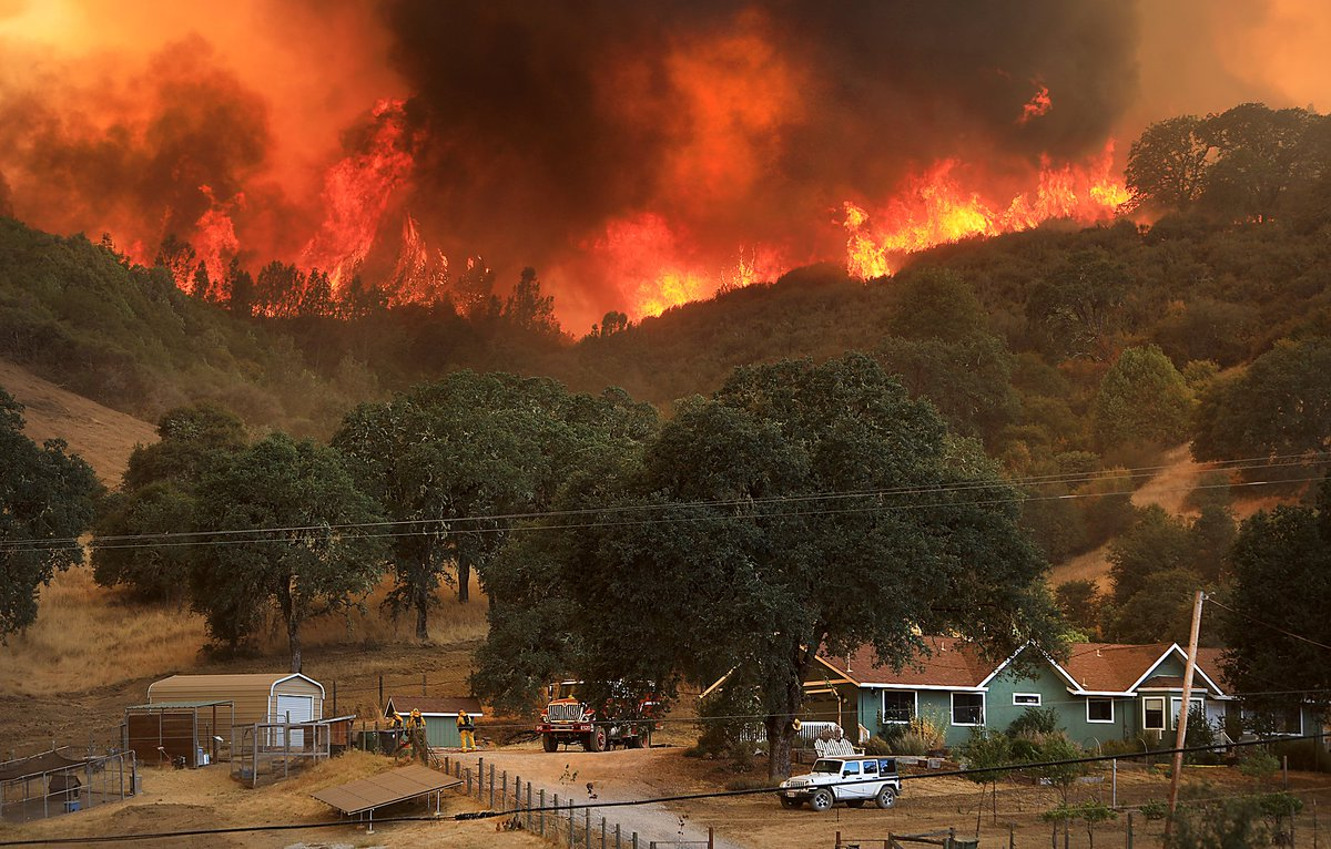 Mendocino Fire Complex explodes in size, now 2nd largest fire in history of California Djpjdj2UUAAQfBz