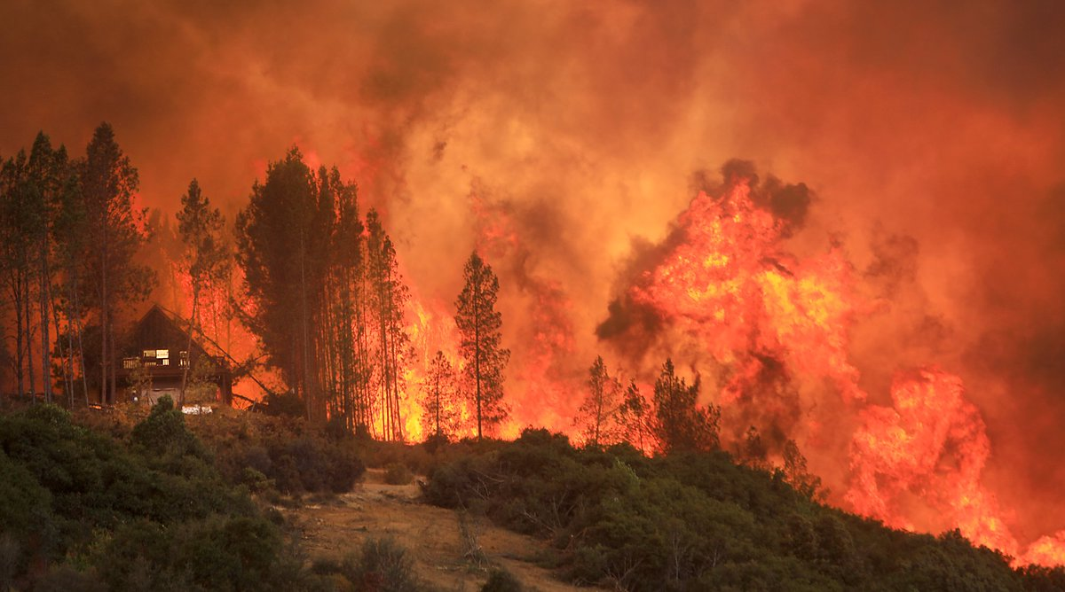 Mendocino Fire Complex explodes in size, now 2nd largest fire in history of California DjpjrnqVsAA2SDz