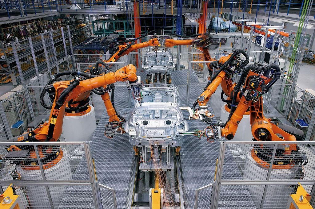 robots in industry essay In the following essay the functions of robots, the various types of robots and the advantages and disadvantages of using robots will be discussed armies around the globe are thinking of using robots for scouting, fighting, or spying methods, so it is proven that the robotic industry is growing.