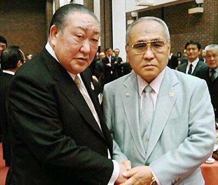 田中理事長「山根〜、お前のせいでせっかく忘れかけてた日大の話題がまた再燃したんだからねっ!」山根会長「あっごめんごめん」
