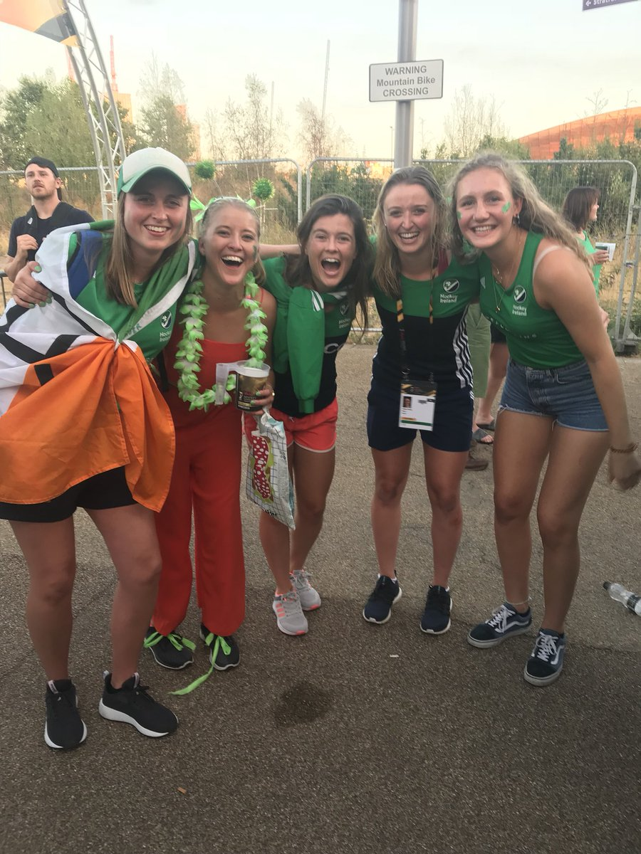 Couldn't be more proud of @GillianPinder1 and the Irish team!! Fantastic to see Pembroke supporting over in London! #WorldCupSemiFinal #HWC2018  @FIH_Hockey @irishhockey @IreWomenHockey<br>http://pic.twitter.com/cFyPUhq8zH