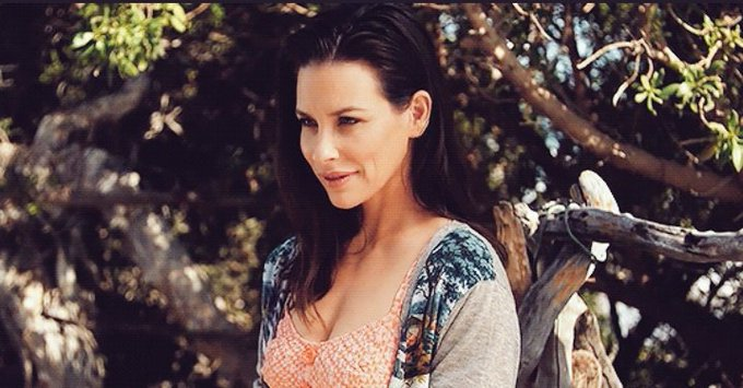 HAPPY BIRTHDAY TO THE ONE AND ONLY EVANGELINE LILLY