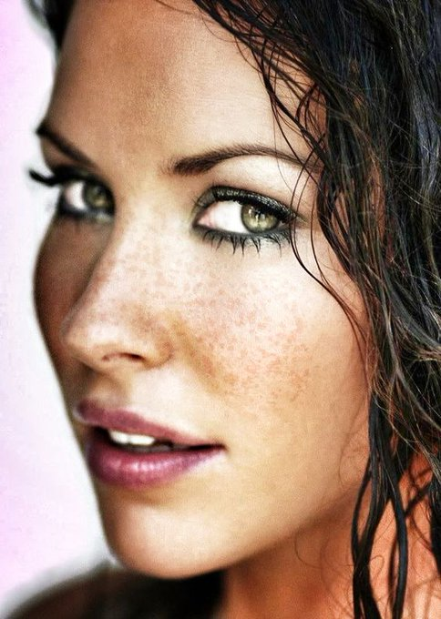 Happy Birthday Evangeline Lilly!  off to see tomorrow!
