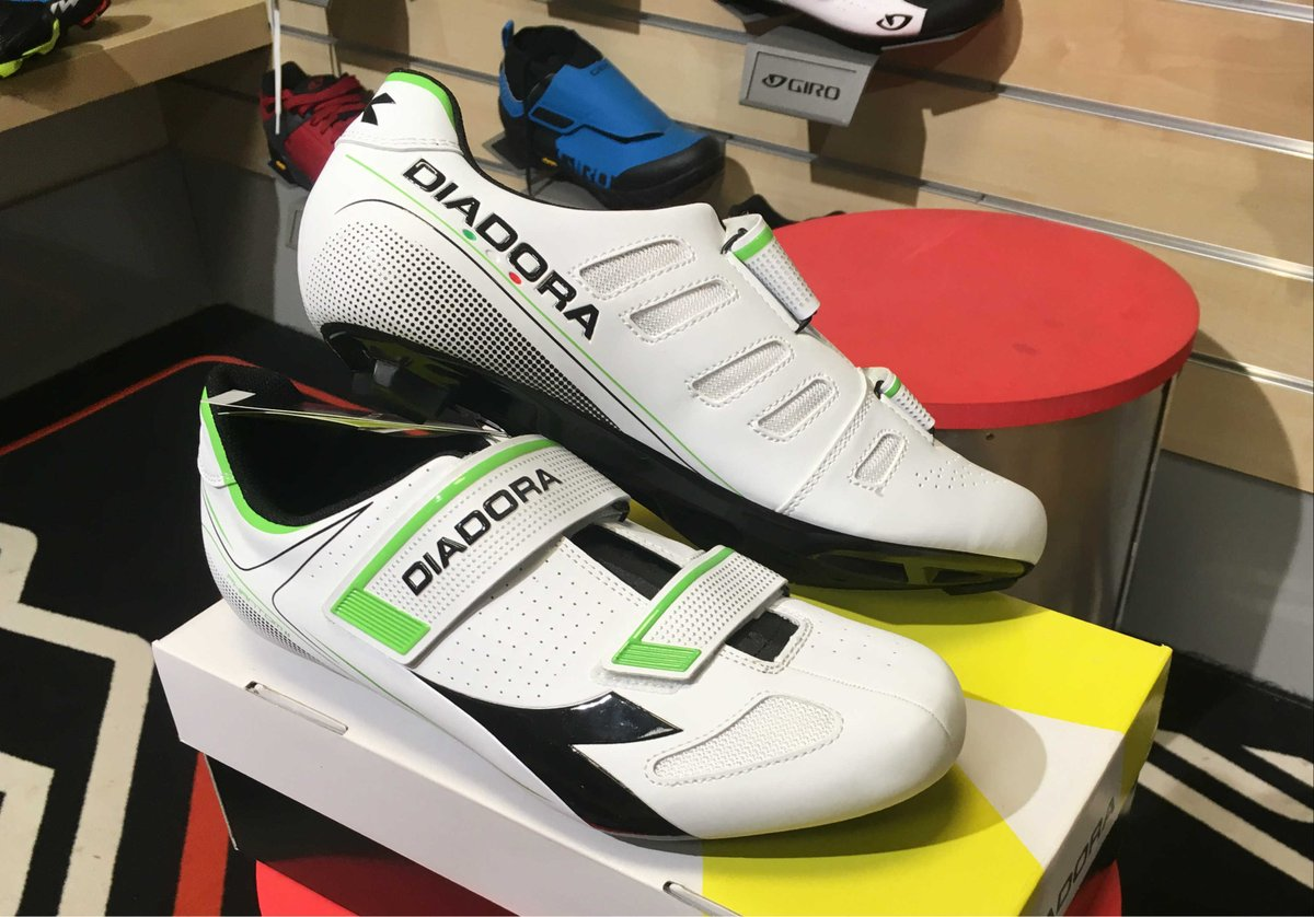 Vf7f4qw On S1qx5 Totally Shoes Cracking Cycles Merlin Ltd Road Diadora MpSUzV