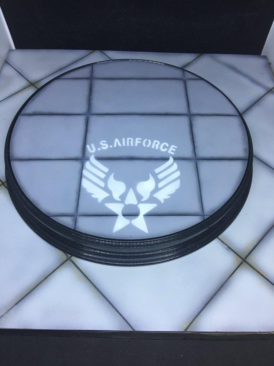 test ツイッターメディア - 日曜の月例会に向け、米空軍機用の台座を製作! 先月の例会で、ウチの会長がやっていた技をパクらせていただいたw  #セリア の盛り蕎麦皿をひっくり返し、切り出したプラ板にセリアのステンシルシートを使って塗装?いい感じ?? https://t.co/Q8TOkZO0kZ